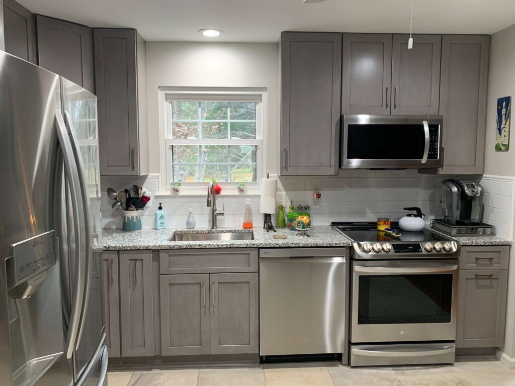 custom kitchen cabinets with drawers